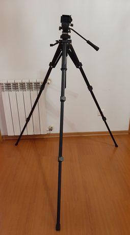 Tripé Slik para fotografia e vídeo