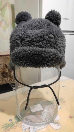 Продам зимнюю шапку на мальчика 6 месяцев