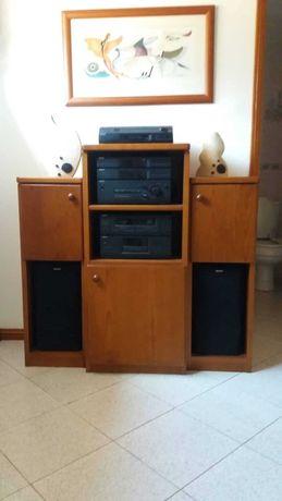 Móvel de sala para aparelho de música