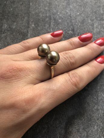 Кольцо в золоте с золотым жемчугом