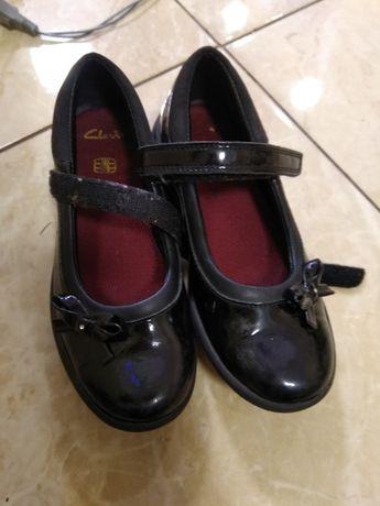 Туфли лакированные Clarks