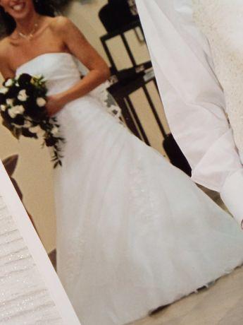 Suknia ślubna rozmiar S/M biala