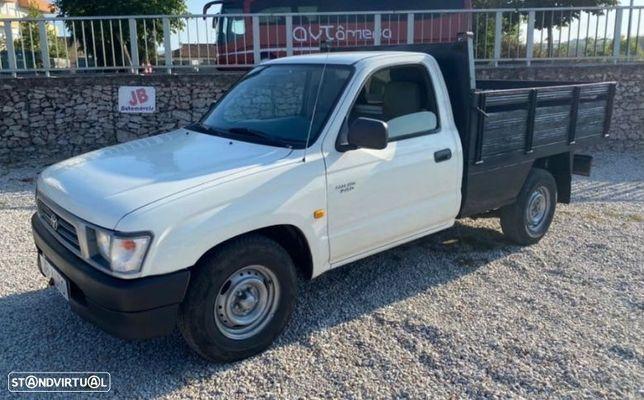 Toyota Hilux 2.4D 3LUG