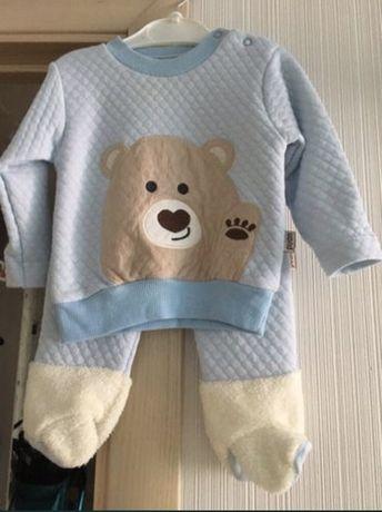 Теплый костюм для новорожденого