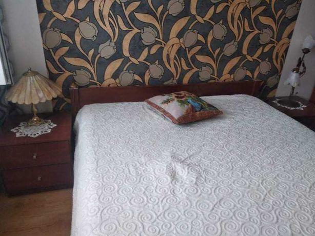 Sypialnia meble - łóżko, szafa narożna, komoda, szafki nocne + lustro