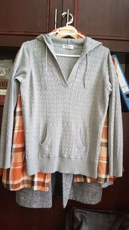 Sweterek  damski  z kapturem  L