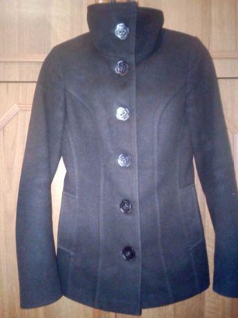 Продаю коротеньке пальто