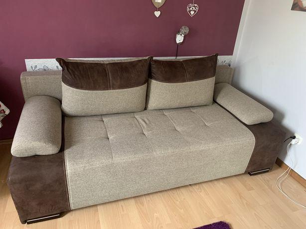 Duża wygodna kanapa z funkcją spania
