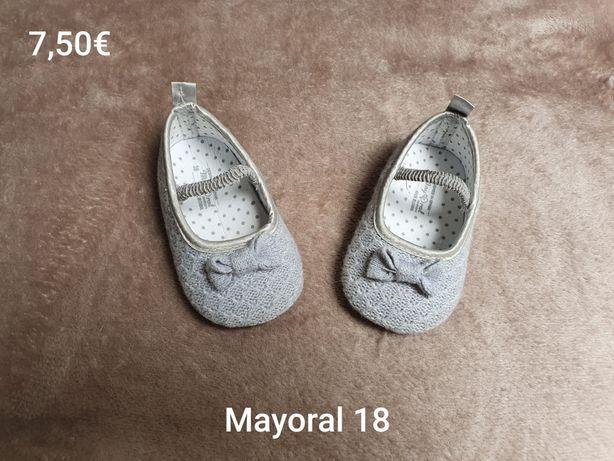Sapatos em segunda mão para menina