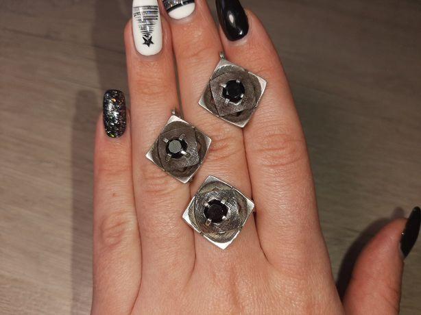 Серебряный набор кольцо + серьги