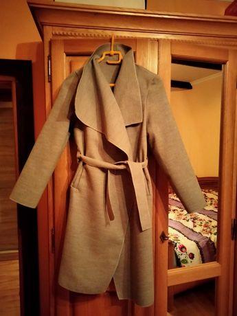 Płaszcz damski..