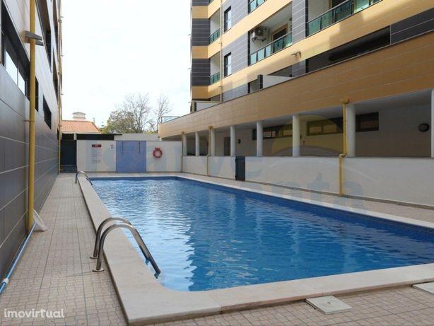 Apartamento T3 com piscina no centro de Vila Nova de Cacela