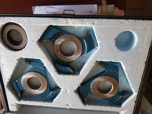 Jogos de freses para trabalhar em tupias com furo de 20 mm e 35mm maqu