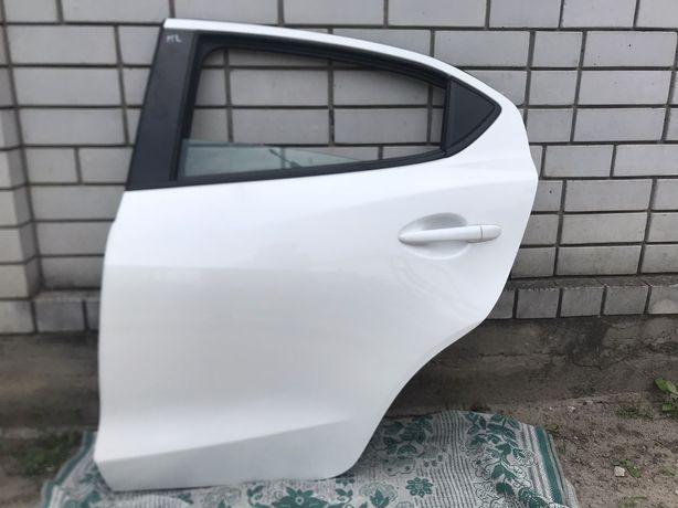 Mazda 2 Мазда 2 Дверь идеал