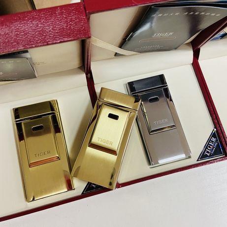 Электроимпульсная USB зажигалка Tiger в подарочной коробке