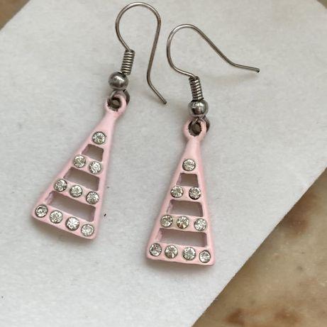 Kolczyki różowe trójkąty z diamencikami streetwear vintage aesthetic
