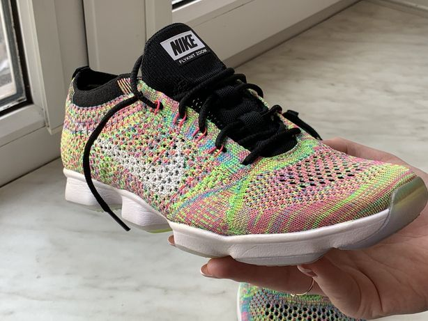 Женские кроссовки Nike Flyknit Zoom 39 размер