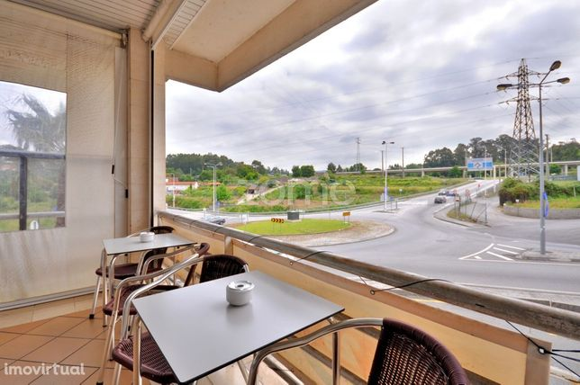 Café-Bar para Trespasse em S. Cosme - Gondomar