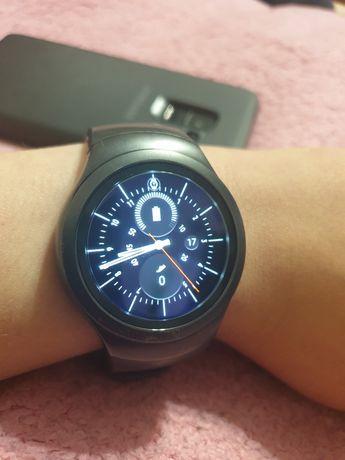 Торг срочно смарт часы Samsung Gear 2 sport