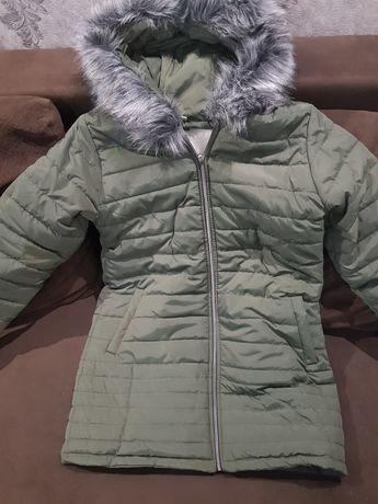 Зимнаяя женская куртка на овчине