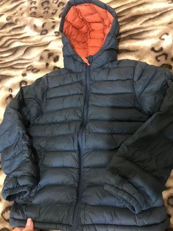 Продам весеннюю курточку для мальчика 7-8 лет