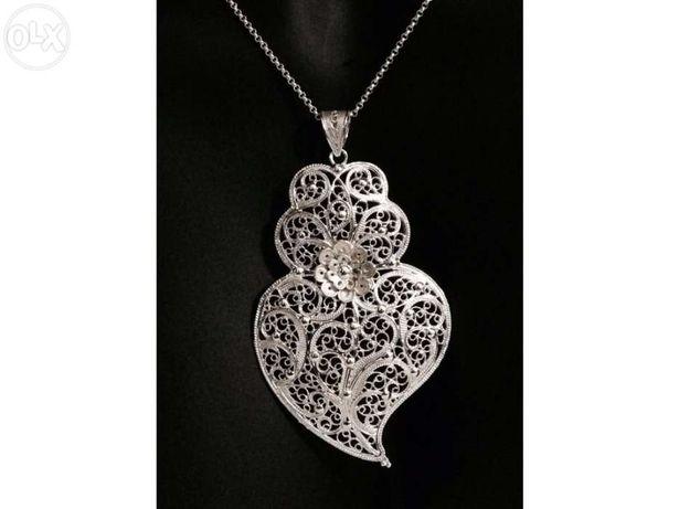 Colar com Coração de Viana em prata 925