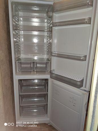 Холодильник Ariston Hotpoint