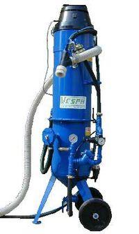 Máquina VSA modelo Beta com recuperação electropneumática de abrasivo.