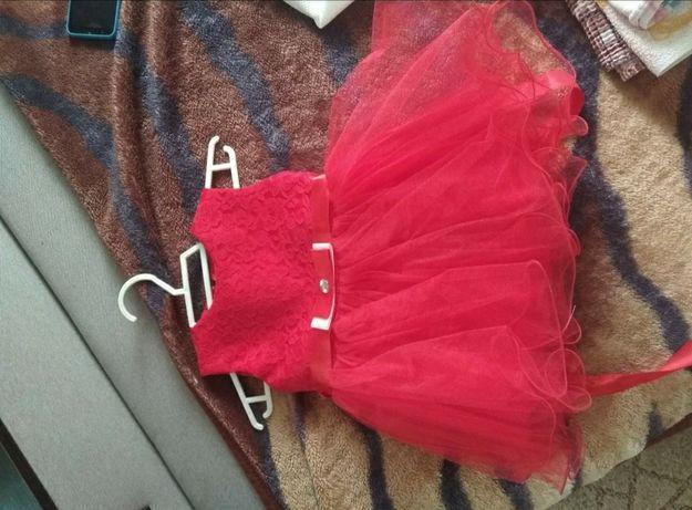 Продам платье на рост 86