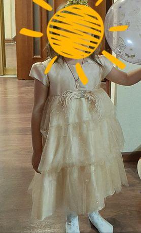 Продам нарядное платье для девочки!