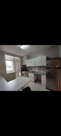 Cozinha usada e equipada