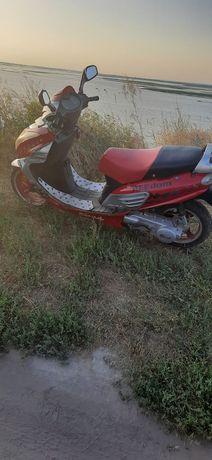 Продам скутер 150