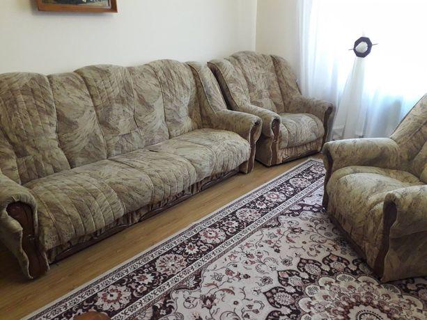 Продам диван і 2 крісла
