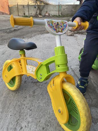 Велобег беговел  толокар почти новый kinder way