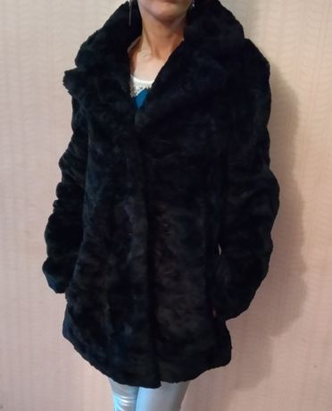 Меховая куртка пальто шубка Benetton. Цена снижена!.