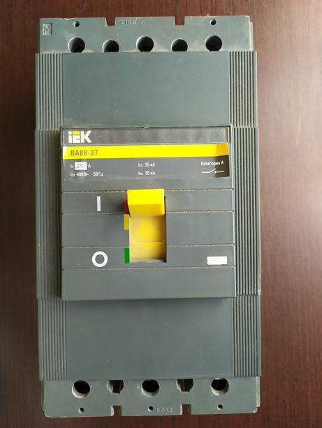 Автоматичний вимикач IEK BA88-37