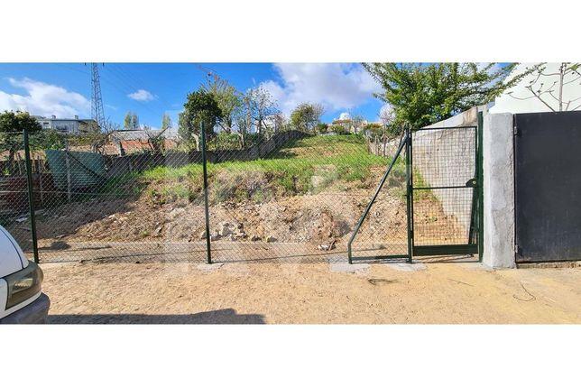 Terreno para construção de moradia com 600 m2, muito bem localizado