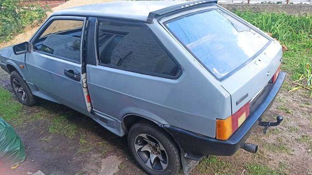 Автомобіль Ваз 2108