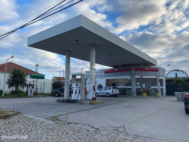 Bomba de combustível, armazéns e terreno - Vimieiro - Arraiolos