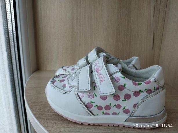 Кросівки для дівчаток. Кроссовки Сказка белые размер 21