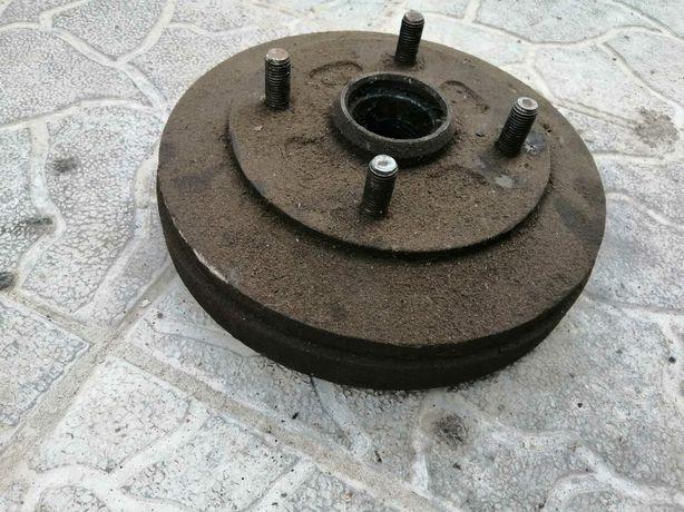 Тормозной барабан на Mazda626