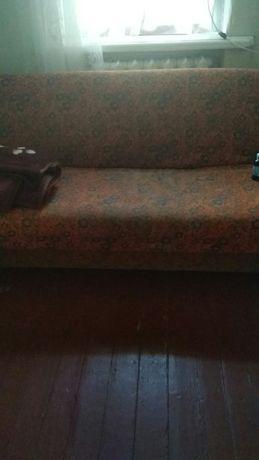 Хороший и крепкий диван!