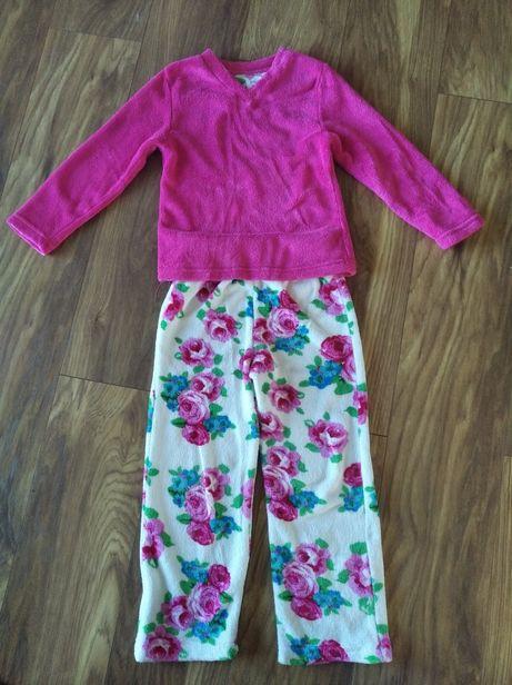 Piżamka w rozmiarze 122
