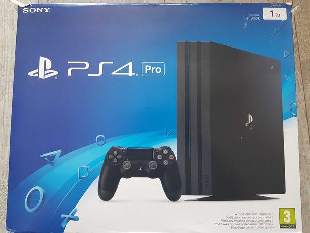 PS4 Pro  1TB   Jet Black CUH-7016B  + 1 PAD