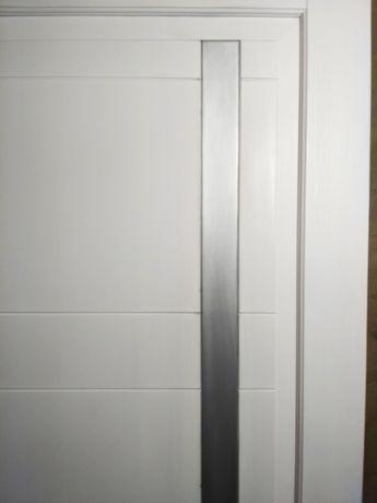 двері соснові фарбовані