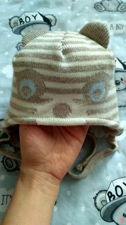 Зимняя шапочка с ушками для малыша