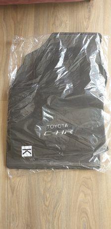 Oryginale nowe dywaniki welurowe do Toyoty CH-R
