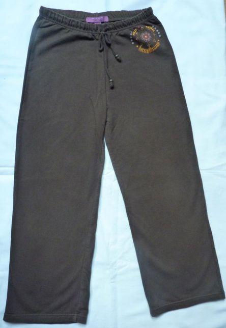 Spodnie brązowe – rozmiar 128/134 cm na 7-9 lat