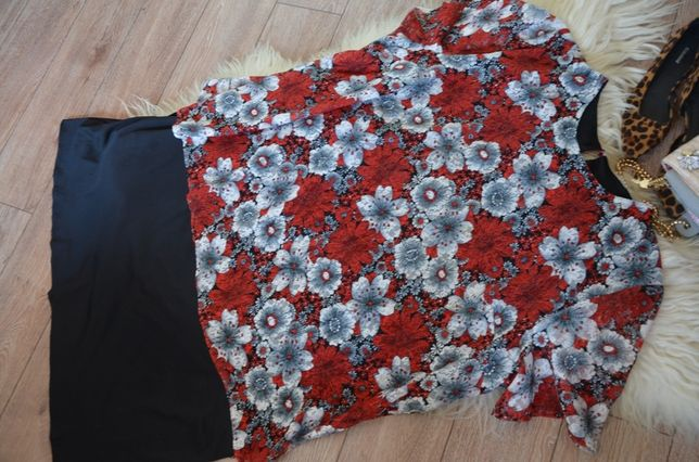 Elastyczna sukienka z koronką_54
