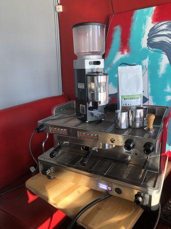 Комплект оборудование кофемашина cimbali m20 кофемолка mazzer